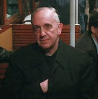 Preocupacion por el Santo Oficio Cardinal-bergoglio-pope-francis-i-doing-the-hidden-hand-gesture